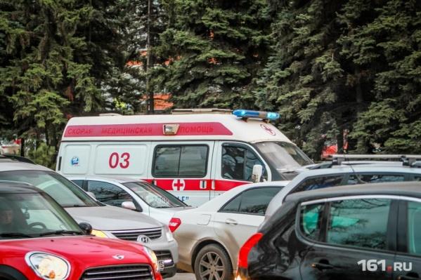 Ребенка увезли в больницу на скорой