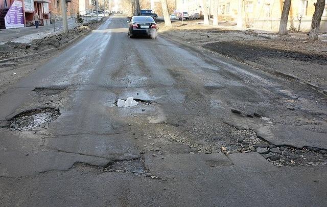 Нестандартные ямы Челябинска: выявляем мелкие шалости дорожников