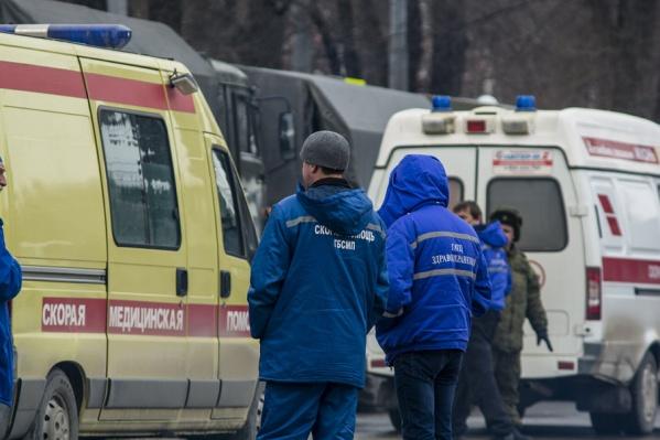 Ростовчанку, выпавшую из окна, госпитализировали