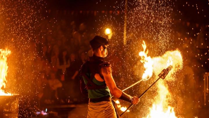 Мифы Древней Греции и огненно-пиротехническая сказка: в Тюмени пройдет фестиваль уличных театров