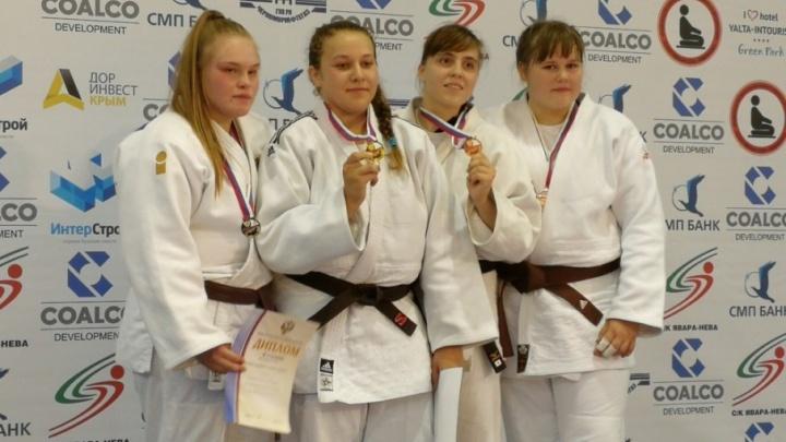 «Девчонки боролись очень хорошо»: южноуральские дзюдоистки выиграли две медали первенства России