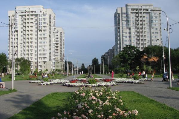 В левой части парка Саши Филипова может возникнуть огромный торговый центр