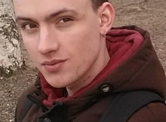 В Северодвинске полиция и родители ищут 21-летнего Егора Конеева