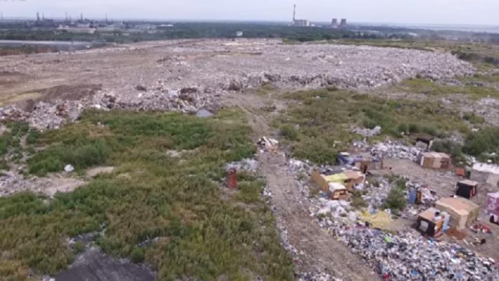 Привёз мусоровоз: на свалке в Челябинской области нашли тело новорожденного