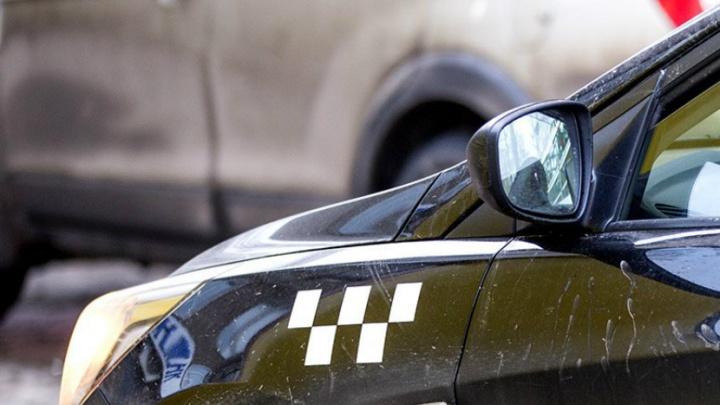 В Ярославле таксист не смог отговорить бабушку отдавать деньги мошенникам