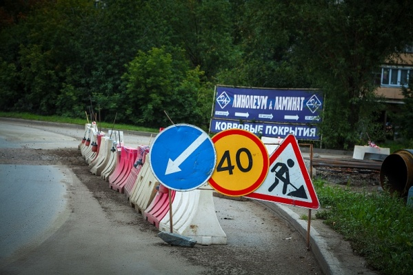 Работы по выносу коллектора скорректировали движение автомобилистов в центре Челябинска