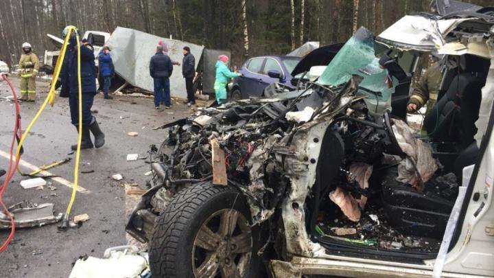 Смертельное ДТП под Туношной: погибший водитель «Ленд Крузера» набросил ремень, не пристегнув