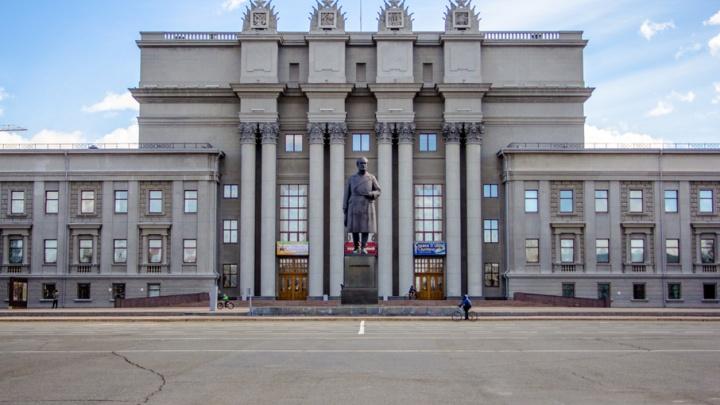 В Самаре вход в оперный театр перенесли на Галактионовскую из-за реконструкции площади Куйбышева