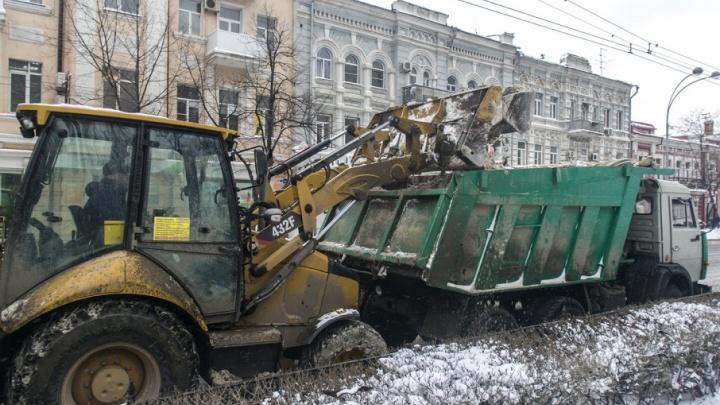Готовимся к зиме: в Ростове чиновники сосчитали технику, которая будет бороться со снегом