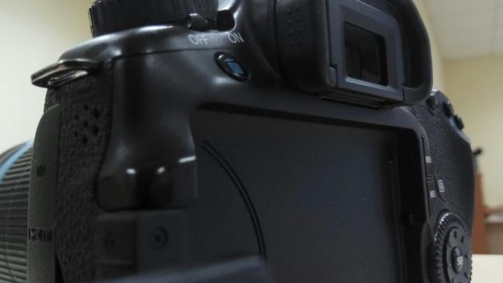 Донские чиновники потратят на покупку двух фотоаппаратов почти миллион рублей