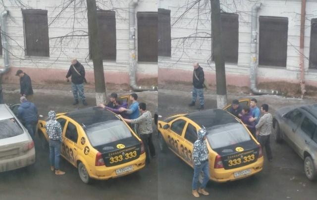 Разборки на Красной площади в Ярославле: таксисты выбивали деньги с пассажира