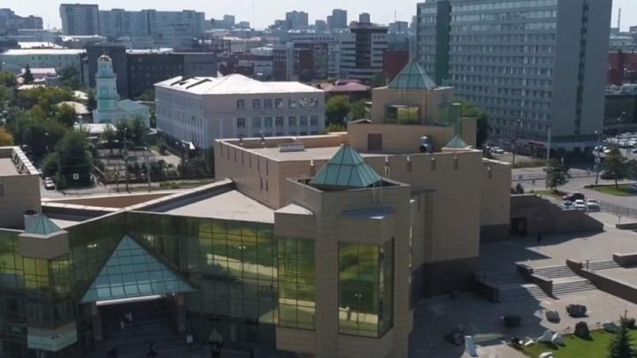 Метеорит, металл и великие спортсмены: о Челябинске сняли ролик к чемпионату мира по хоккею U18