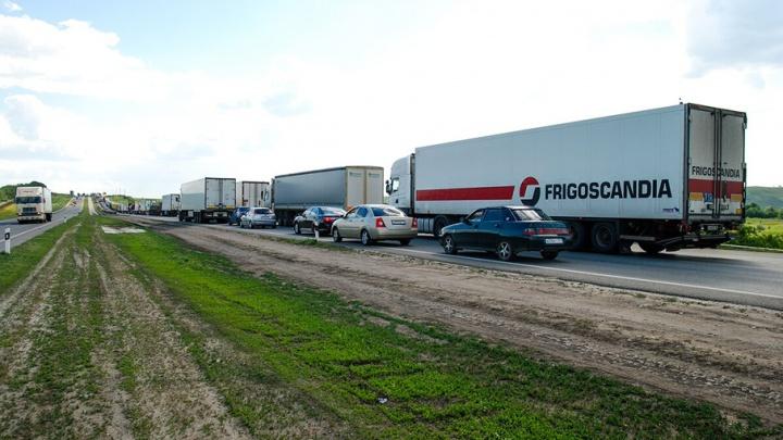 На трассе М-4 в ДТП погиб водитель большегруза