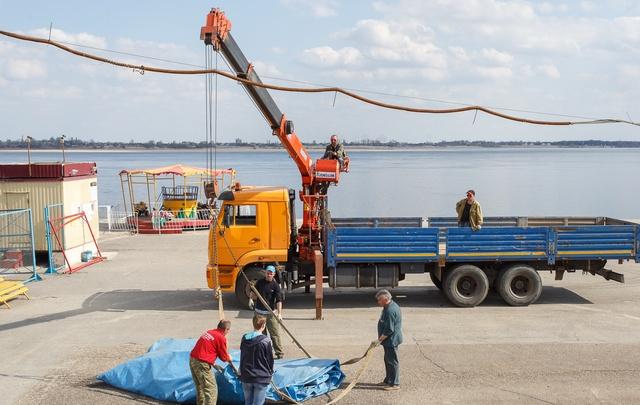 Волгоградские аттракционы спасают от большой воды