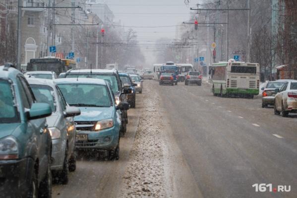 Непогода привела к значительным заторам на дорогах