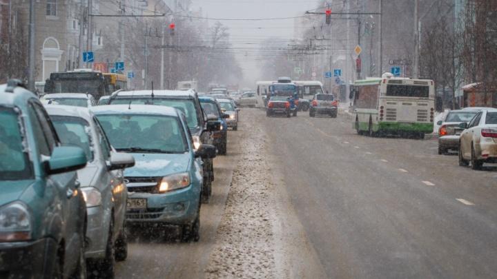 Аварии и снег: Ростов замер в девятибалльных пробках