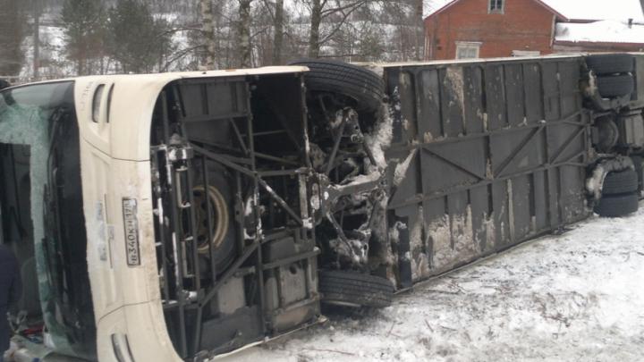 На трассе М-4 «Дон» перевернулся автобус с пассажирами: есть пострадавшие