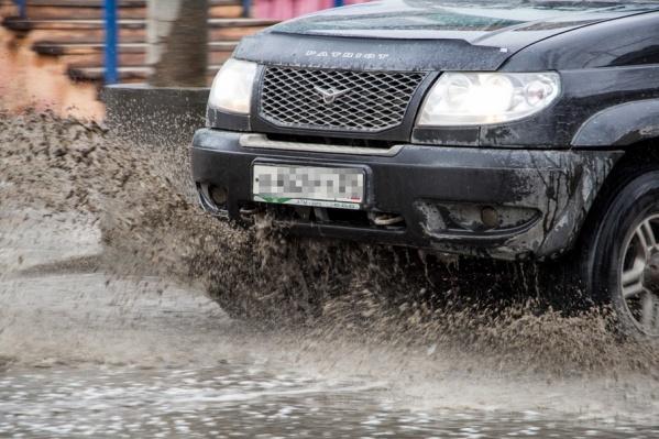 Следователи считают, что мужчина забыл поставить автомобиль на тормоз