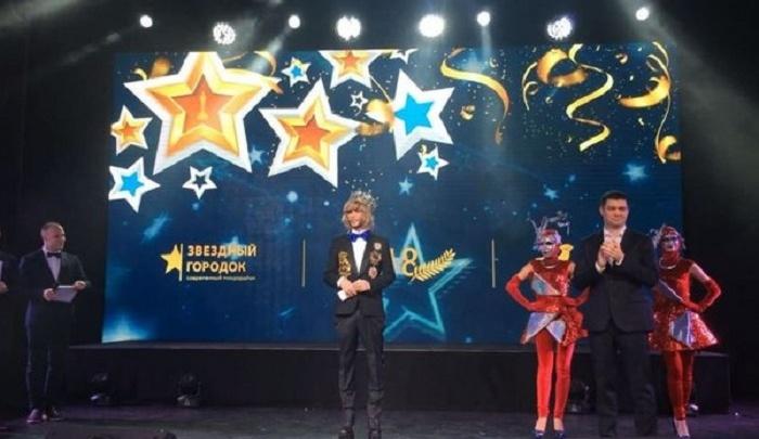 Сергей Зверев выступил на новогоднем корпоративе тюменских строителей