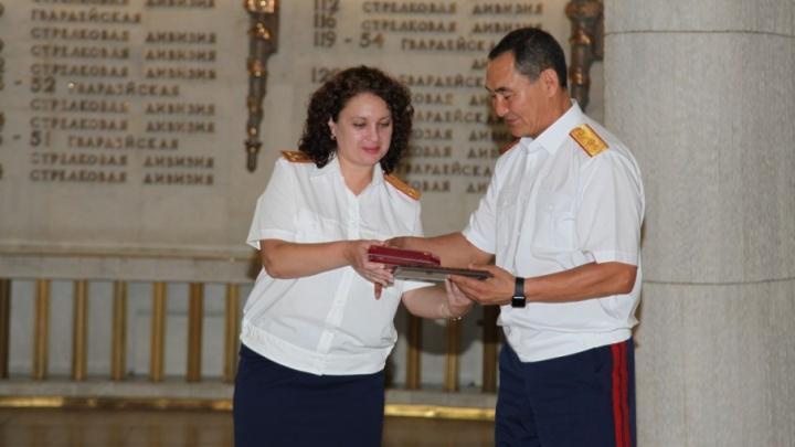 В день 10-летия СКР в Волгограде наградили следователей