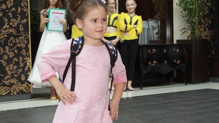 Пятилетняя девочка из Тюмени примет участие в показе на Неделе моды в Москве