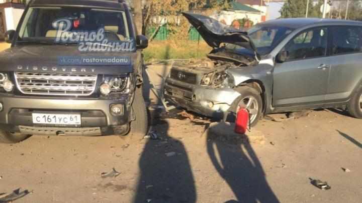 В Ростове пьяный водитель на коленях просил прощения у мужа раненой хозяйки джипа