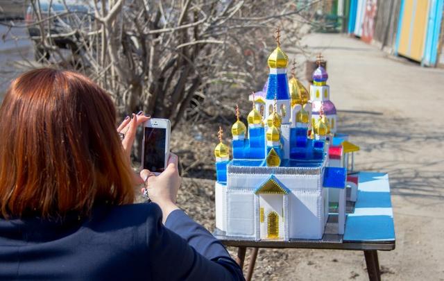 Житель Самары изготовил миниатюры  городских храмов