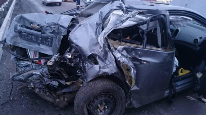 Дорожные видео недели: две смертельные аварии на тюменской трассе и ДТП, в котором пострадал малыш