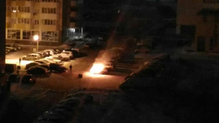 Ночью на Лесобазе сгорел автомобиль LADA Kalina