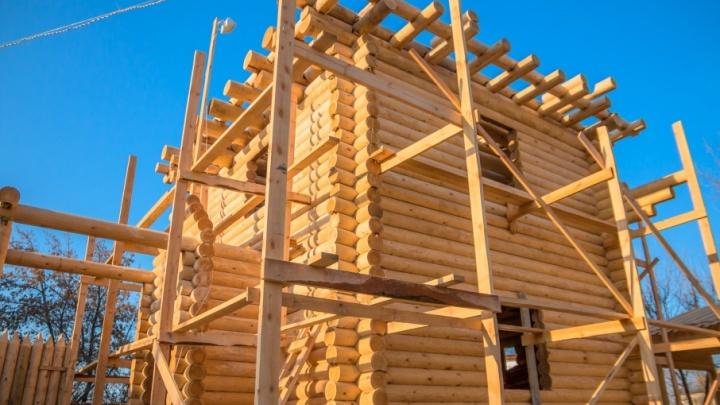 Вокруг башни на Водников — Кутякова уложат деревянные тротуары