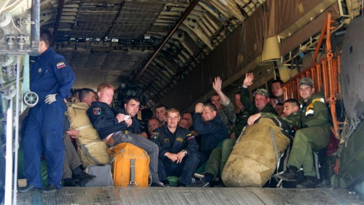 38 парашютистов-десантников из Архангельска борются с пожарами в Заполярье