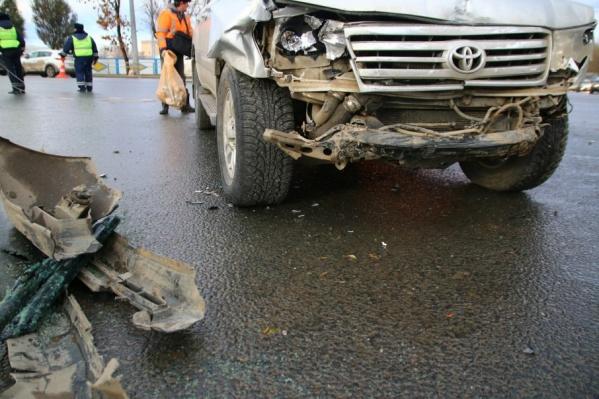 Авария парализовала движение на перекрестке