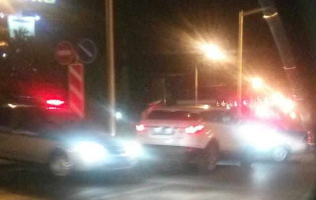 Очевидцы: на Северном полиция устроила погоню за водителем Range Rover