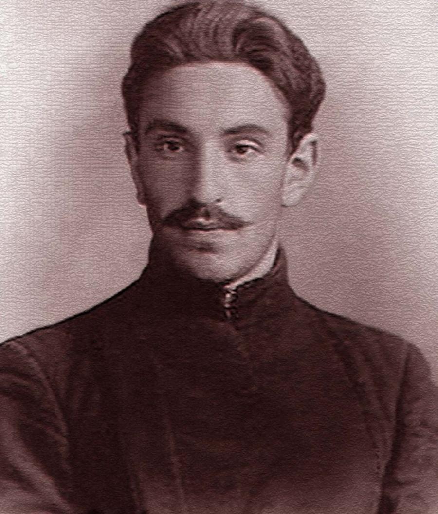 Яков Шейнкман — деятель российского революционного движения. В честь этого усатого мужчины в Екатеринбурге названа одна из улиц в центре города.