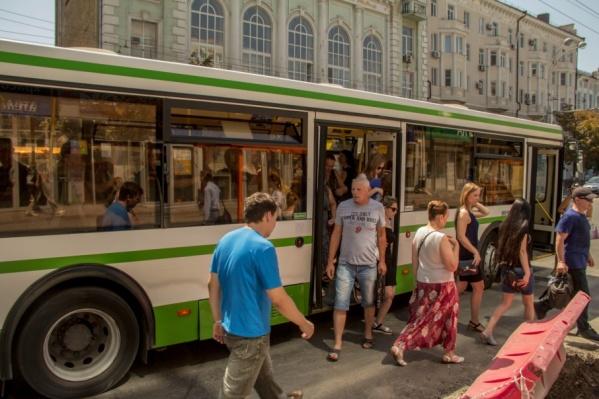 Во время опроса161.ruростовчане признались, что этим летом не видели общественный транспорт с включенным кондиционером