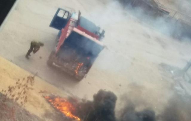 В Волгограде внезапно загорелся мусоровоз