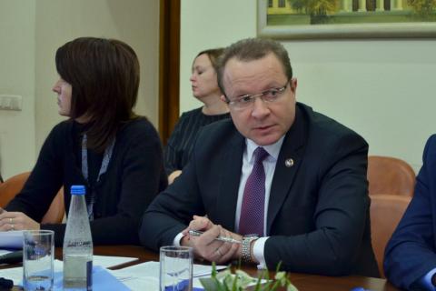Константин Прокофьев привел в пример Ижевск, который, по его словам, собрал 27 миллионов с нарушителей в прошлом году