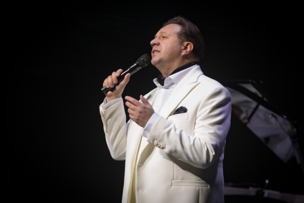 Для первого большого концерта в Самаре Александр Захаров выбрал свой любимый репертуар