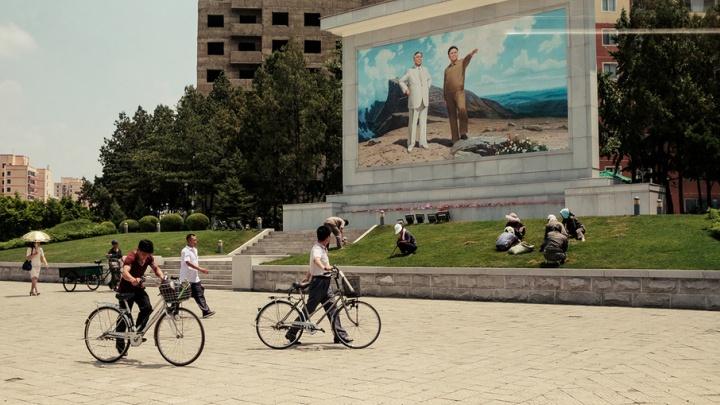 Строевой шаг, прослушка и собачатина на обед: ярославец побывал в Северной Корее