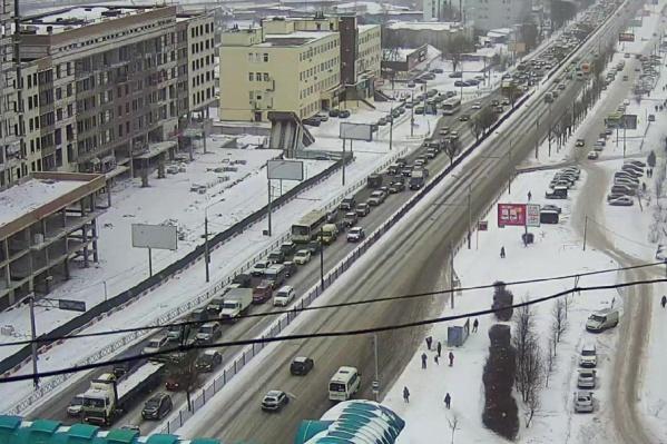 Затор на Московском проспекте в сторону района