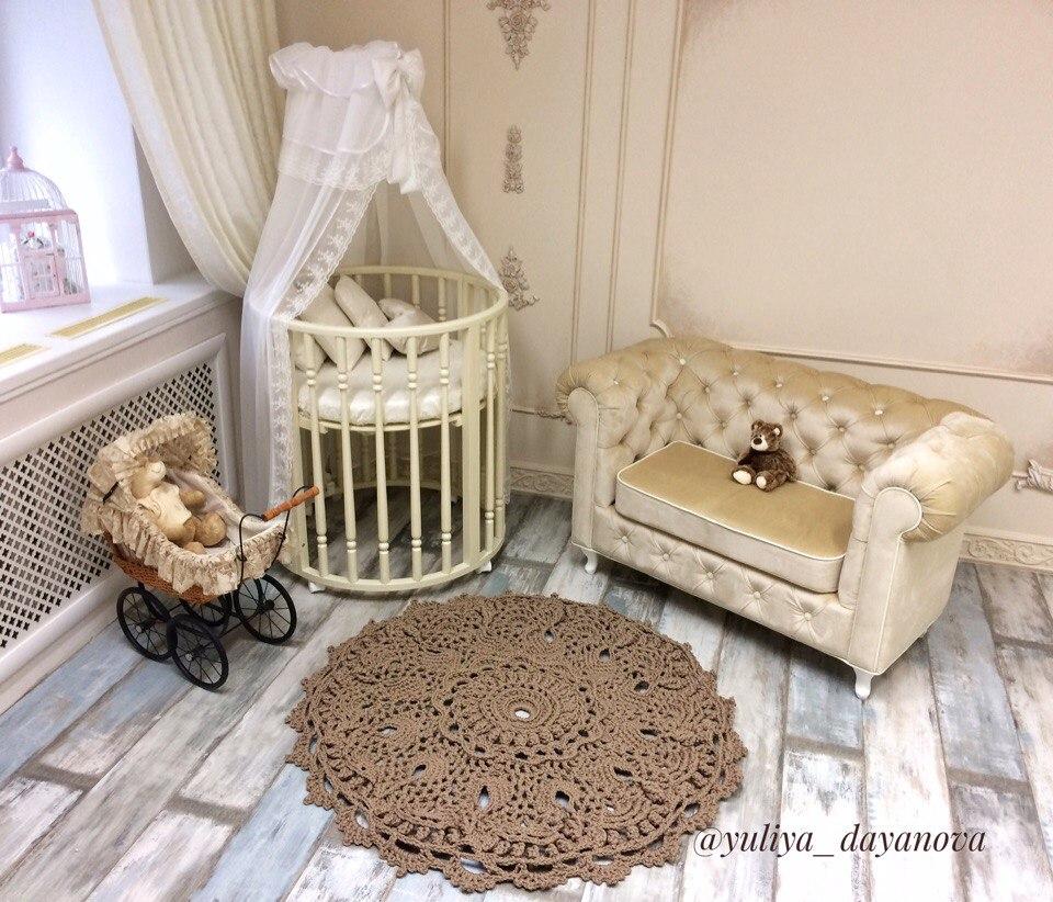 Юля училась вязать ковры по мастер-классам