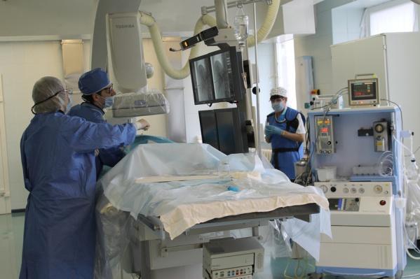Операция на сосудах головного мозга спасла жизнь будущей маме и ее малышке
