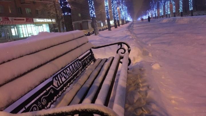 От сказки до снежного ада: во что бесконечный снегопад превратил Ярославль