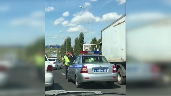 Очевидцы: на Московском шоссе сотрудники ГИБДД устроили погоню за грузовиком