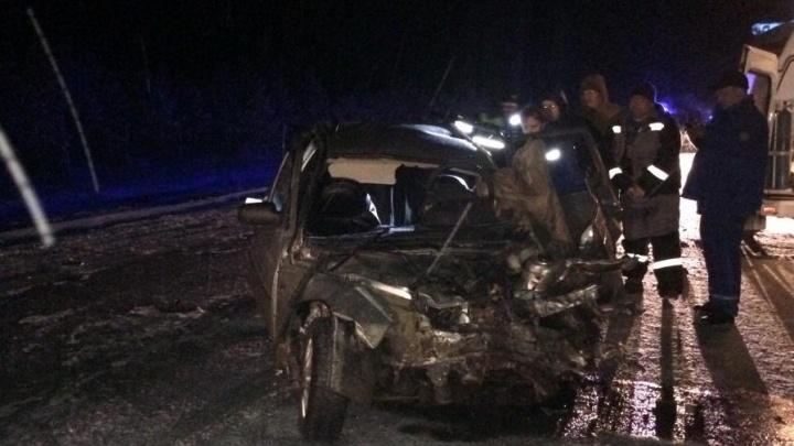 На тюменской трассе водитель «Лады» выехал на встречку и погиб