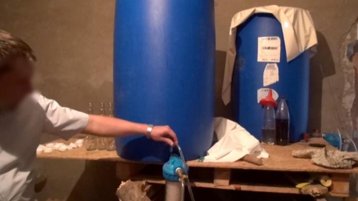 В Астраханской области волгоградцы создали подпольный завод текилы, чачи и коньяка