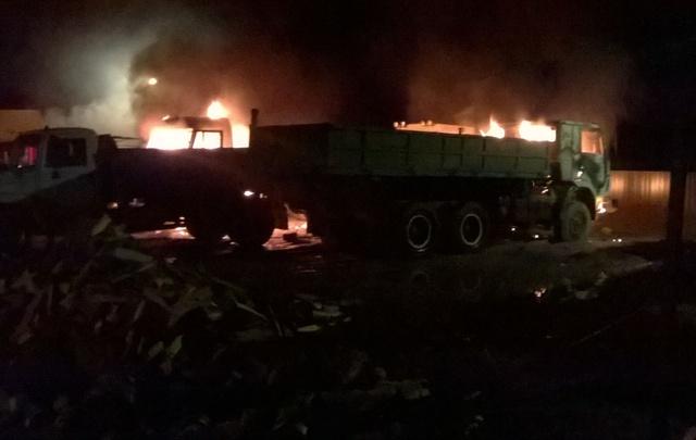 Ярославские полицейские ищут поджигателей, устроивших крупный пожар на стоянке