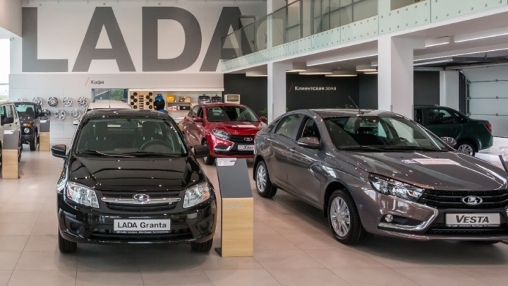 Россияне стали чаще покупать самарские автомобили LADA