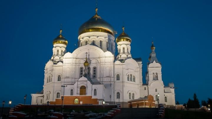 Крестовоздвиженскому собору на Белой горе сделали новую подсветку