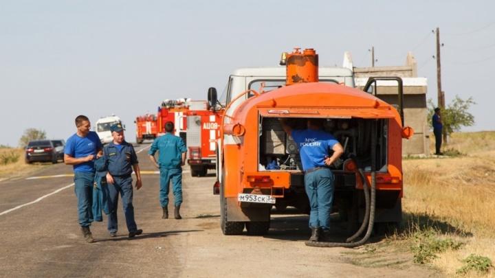 Волгоградцы благодарят пожарных за спасение дачного поселка